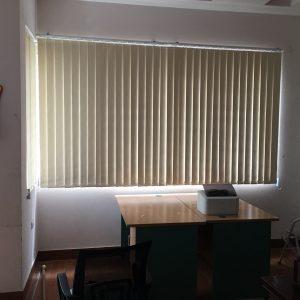 Lưu ý khi chọn rèm lá dọc văn phòng tại Long Biên