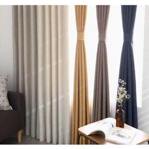 Phòng khách nên sử dụng rèm vải trơn 1 màu hay rèm vải họa tiết
